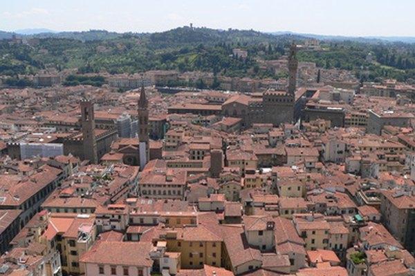 En un vistazo, la ciuda de Florencia, Italia, ejemplifica los tonos sombríos de Toscana.