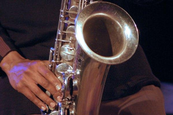 El saxofón, un instrumento de viento que le añade un sonido sensual.