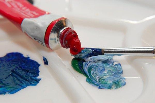 Experimentar con óleos de colores es la mitad de la diversión de pintar.