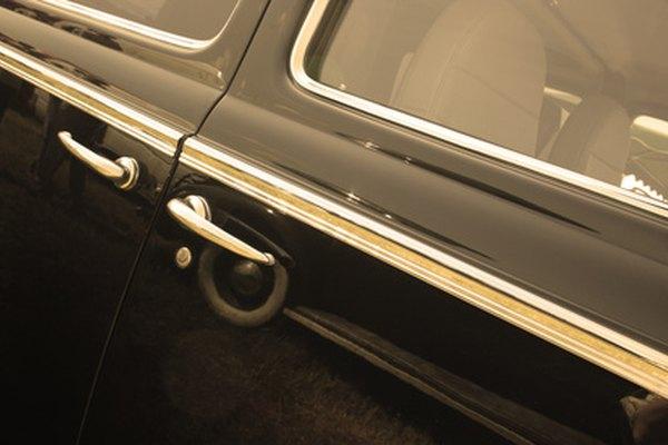 Limpia y lubrica las ventanas de tu vehículo.