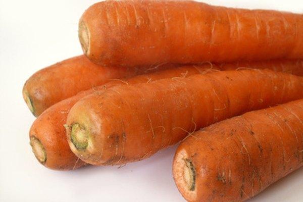 Cómo hacer un experimento de ósmosis con una zanahoria.