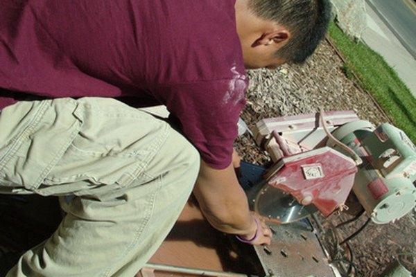 Trabajar con vidrio y azulejo requiere las herramientas adecuadas.