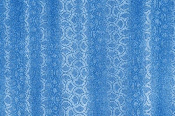 Una cortina de baño casera puede combinar a la perfección con la decoración de tu casa.