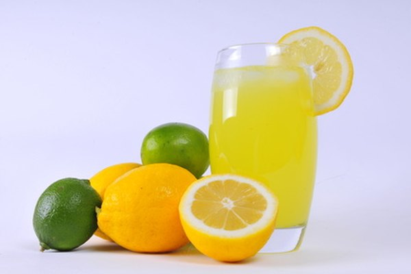 Los costos y las ganancias de los puestos de venta de limonada representan una lección sobre números enteros del mundo real.