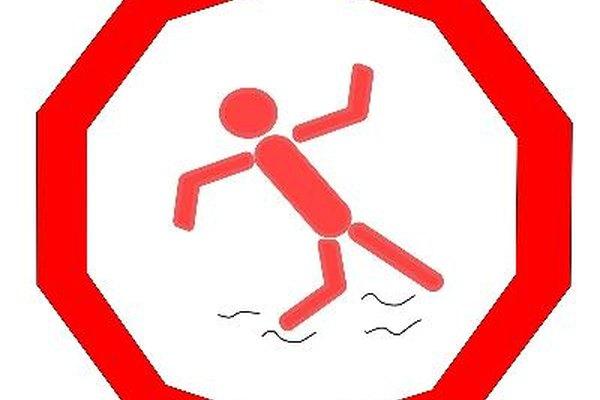 La OSHA multa fuertemente las caídas, ya que son la principal causa de lesiones o muerte en el lugar de trabajo.