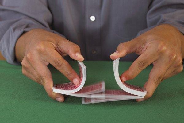 El barajado rápido de mesa es la forma de barajado más utilizada en los juegos de póquer.