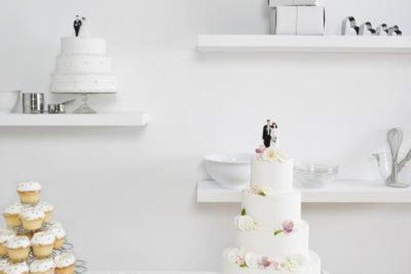 Una tienda de pasteles de especialidad atrae a las novias y a la industria de servicios de comida.