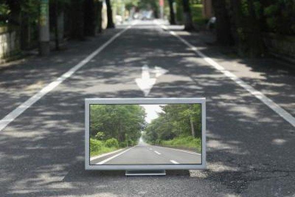 Las imágenes borrosas resultan cuando un dispositivo periférico se conecta a la TV a través de cables y conectores que no son HD.