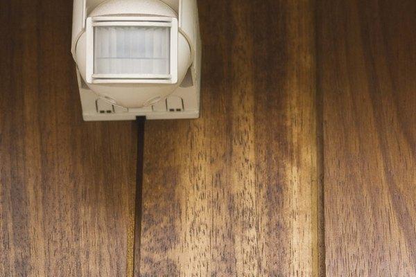 Uno de los usos del detector de movimiento es para los sistemas de alarmas.