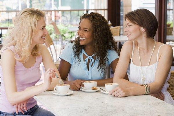 Hay muchas maneras en las que puedes incorporar un tema de amistad en un retiro de mujeres cristianas.