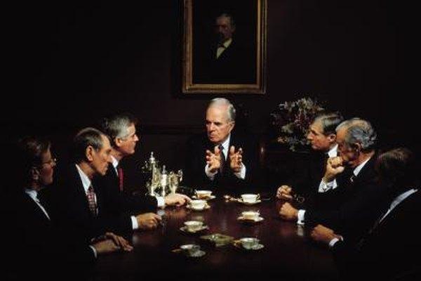Un secretario corporativo es un miembro muy importante de la junta directiva.
