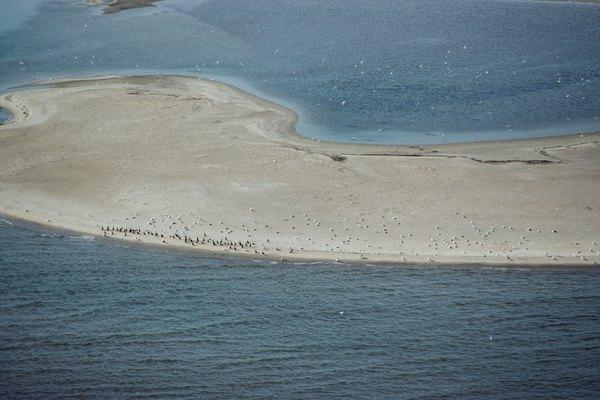 Los bancos de arena representan un peligro para los barcos.