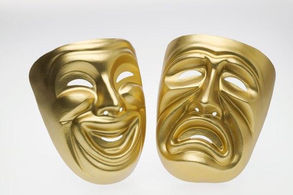 Representado por dos máscaras (comedia y tragedia), la obra dramática busca entretener y emocionar como lo muestra el espíritu humano, y refleja la humanidad de vuelta a la audiencia.