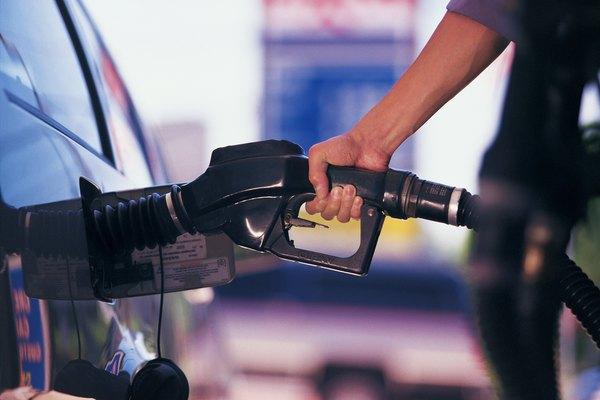 La gasolina es a veces considerada un bien inelástico.