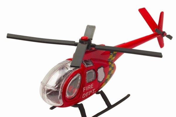 Controla los servos del helicóptero RC a través del control remoto.
