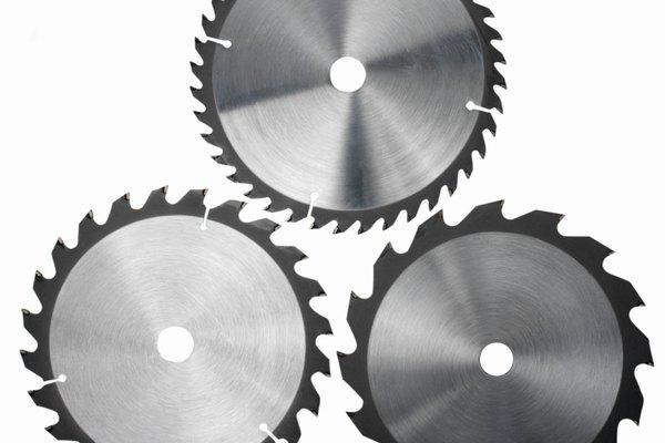 Los metales ligeros como el aluminio y el titanio reducen la masa de los metales puros con los que se realizó la aleación.