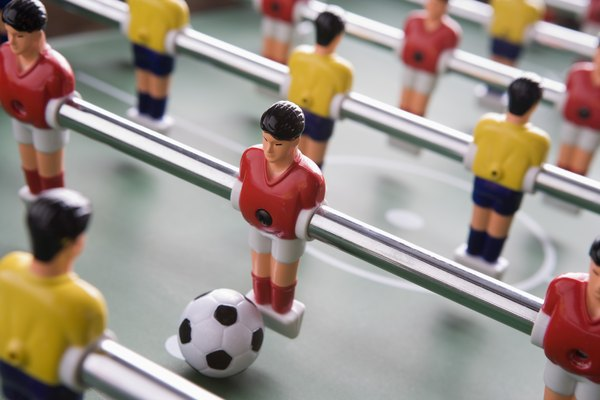 El futbolín es un popular juego de mesa para grandes y chicos.