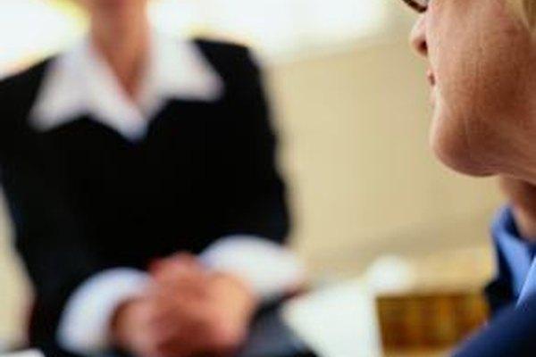 Recursos humanos le da formación a los empleados y genera políticas de evaluación.