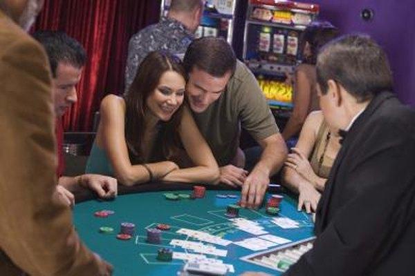 Cuando juegas un juego de mesa de casino, un jefe de sala está observando.