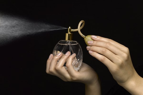 Los atomizadores ultrasónicos son una versión electrónica de un perfume con atomizador.