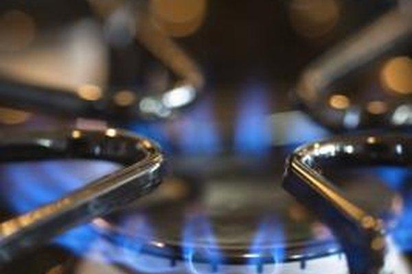 Los operadores de ductos supervisan el transporte de gas desde las plantas a los hogares residenciales y empresas.