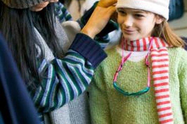 Algunas tiendas se especializan en la venta de prendas de vestir para niñas.
