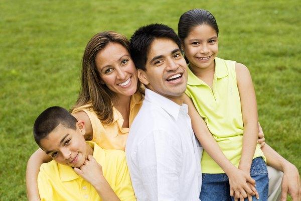 Los diagramas de parentesco te permiten establecer los diferentes tipos de lazos y relaciones existentes entre los miembros de una familia.