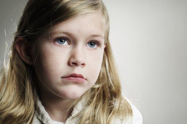 La acumulación paterna interfiere con las necesidades de desarrollo de un niño.
