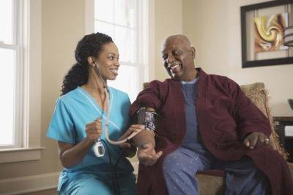 El cuidado en el hogar es una de las principales fuentes de empleo para las enfermeras.