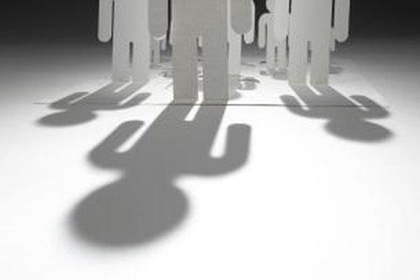 Los líderes natos identifican oportunidades, inspiran empleados y administras recursos para apoyar una agenda definida.