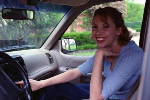 La radio es un medio popular para la gente que se encuentra en su casa o en movimiento.