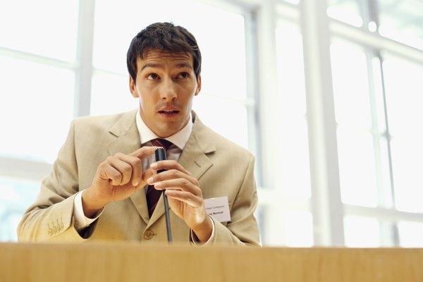 Toca el micrófono para indicar que vas a comenzar a hablar.