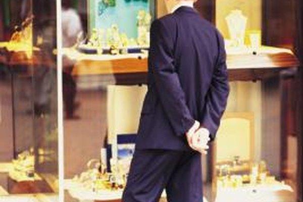 Piensa estratégicamente al abrir una tienda.