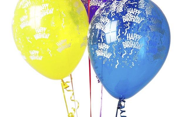 Los coloridos globos de helio son un éxito en cualquier fiesta.
