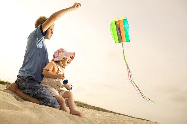Explora las actividades de alta y baja con tu niño.
