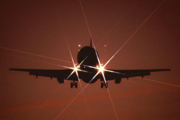 La mayoría de las aerolíneas prohíben el descarte de boletos.