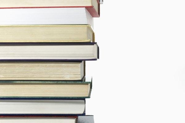 La forma más común de clasificar los libros de texto es según la materia.