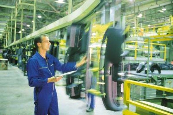 Las operaciones de fabricación a menudo incluyen una línea de armado.