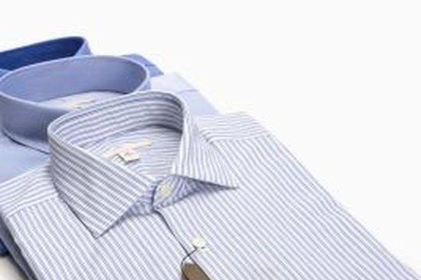 Acércate a los minoristas locales y diles que vendan tus camisas.