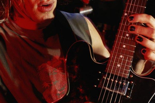 Las pastillas o micrófonos EMG 81 y 85 hacen una combinación popular y versátil para los guitarristas de heavy metal.