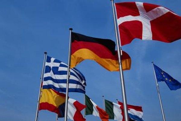 Estudiar relaciones internacionales proporciona una buena base para los títulos superiores o diversas carreras laborales.