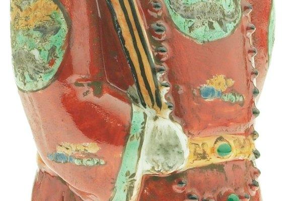 La resina se puede pintar para simular eficazmente la cerámica.