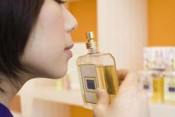 Un embalaje creativo es un elemento importante en elevar la sensibilización e interés por tu perfume.
