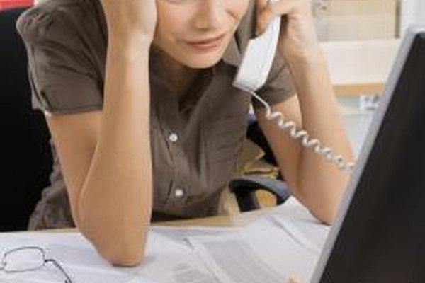 Encargarse de múltiples puestos de trabajo para compensar la falta de personal no sólo aumenta la carga de trabajo de un empleado, sino que también puede intensificar el estrés.
