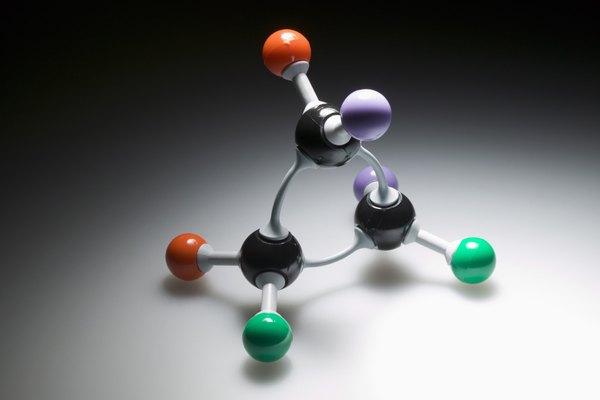 Un catión es un ion con carga positiva.