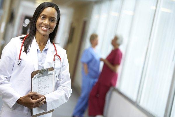 Un hospital se administra como una operación pequeña o mediana empresa y sigue las prácticas comerciales convencionales.