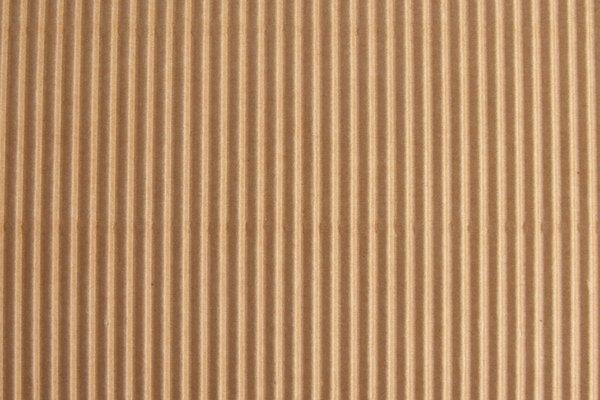 Con el cartón se pueden hacer muy buenos troncos.