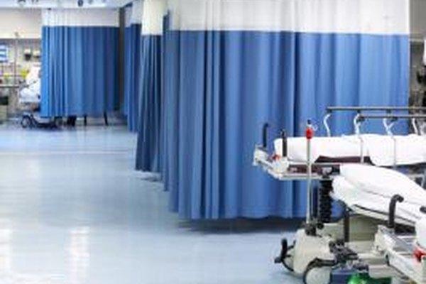 En los hospitales ocupados, la capacidad de multi-tarea es importante para las enfermeras de la sala de emergencias.