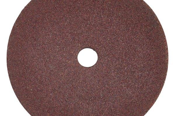 Los discos de lija están cubiertos con diferentes abrasivos.
