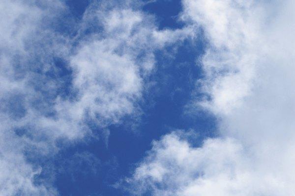 Nubes tenues.